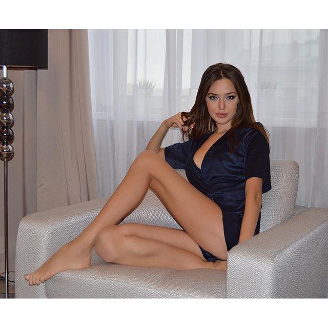 голая Костенко
