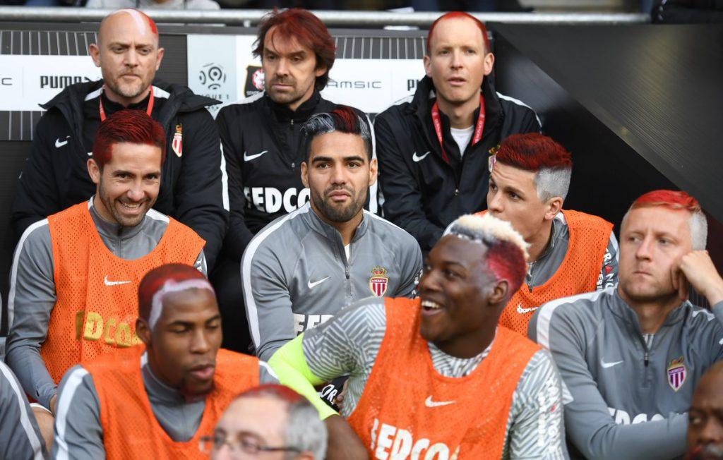 игроки Монако покрасили волосы