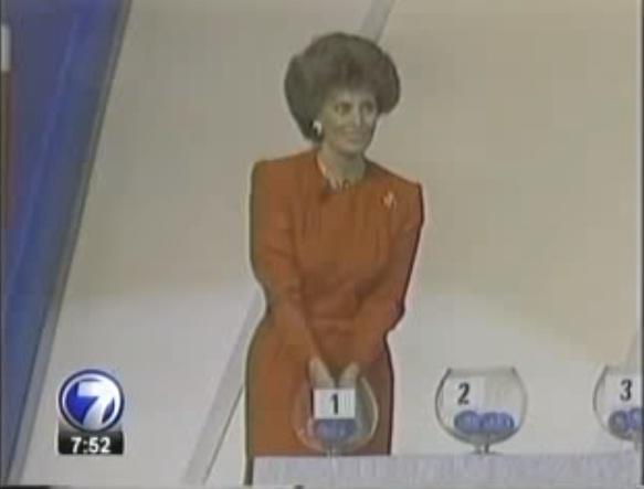 Софи Лорен жеребьёвка ЧМ 1990