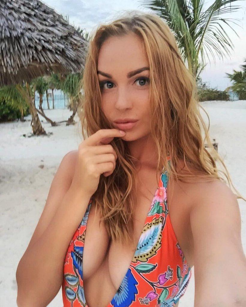 Ангелина Райская экс на пляже