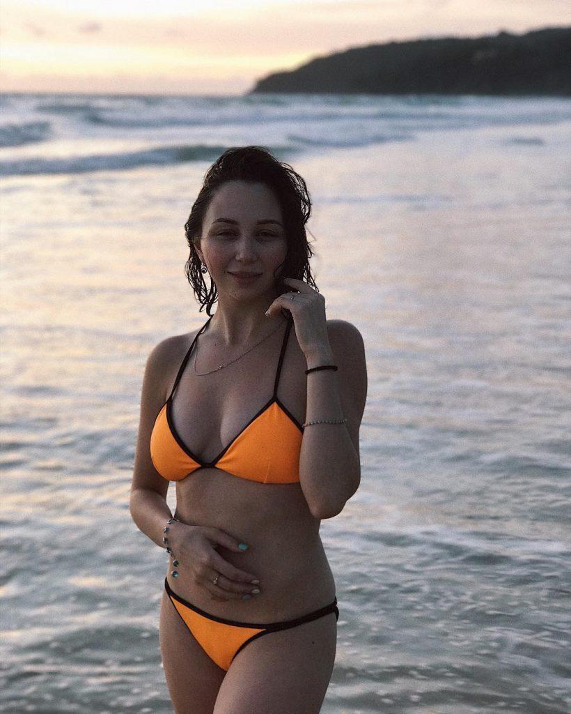 Елизавета Туктамышева фото в купальнике