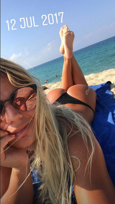 Ефимова плавание фото на пляже